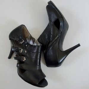 Nine West Black Leather Highlife Heels 8.5